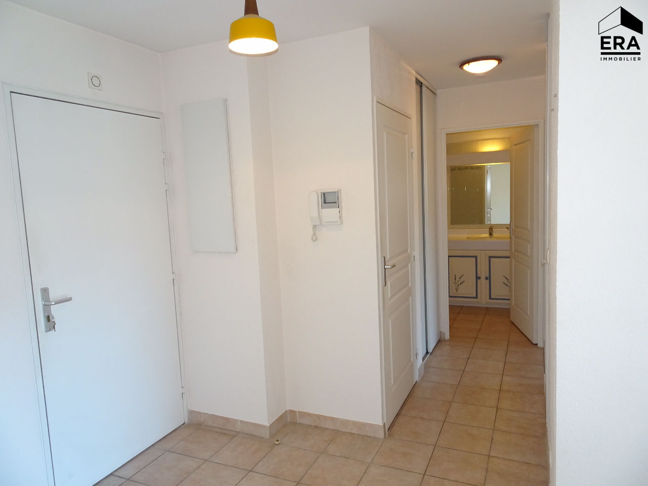 BOUC BEL AIR, appartement type 3, terrasse, garage et place de parking